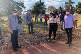 Vereadores e presidente da METAMAT visitam comunidades que serão beneficiadas com poços artesianos.